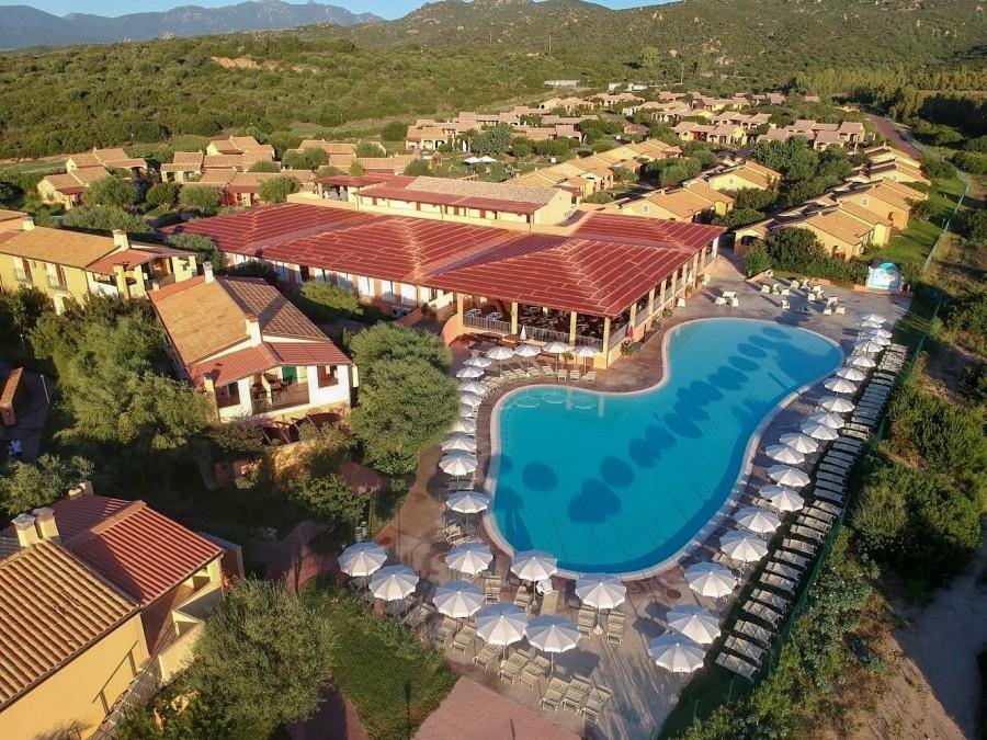 Marina Rey Beach Resort ( piscina Esterna)