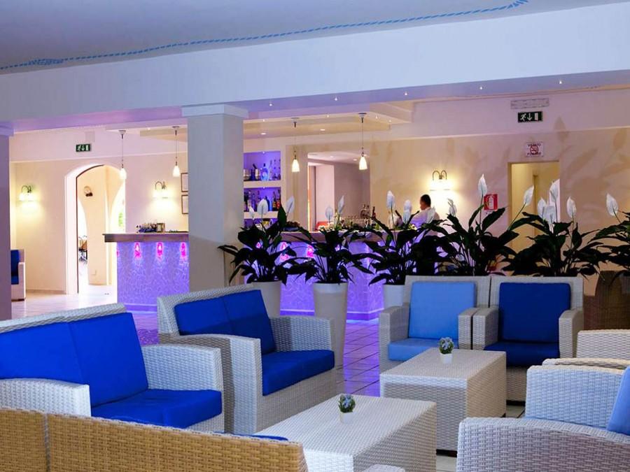 Hall del Blu Hotel Laconia Village