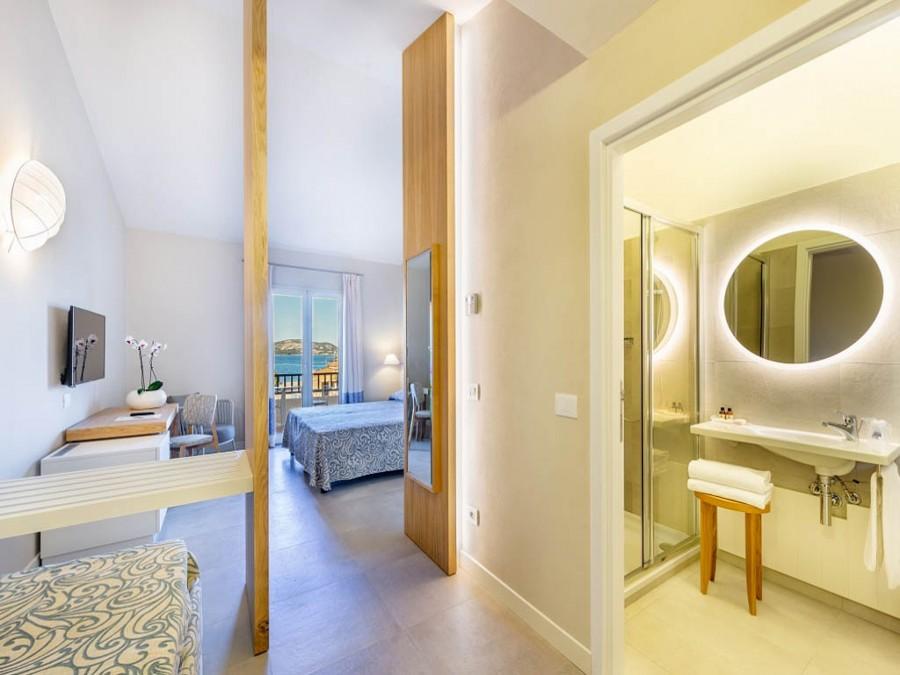 le camere del Blu Hotel Laconia Village