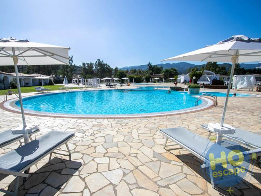 Limone Beach Resort - La Piscina