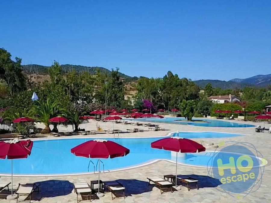 Limone Beach Resort La Piscina