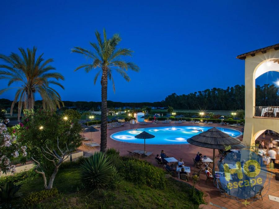 Cala Luas Resort Foto Piscina con Terrazze Serale
