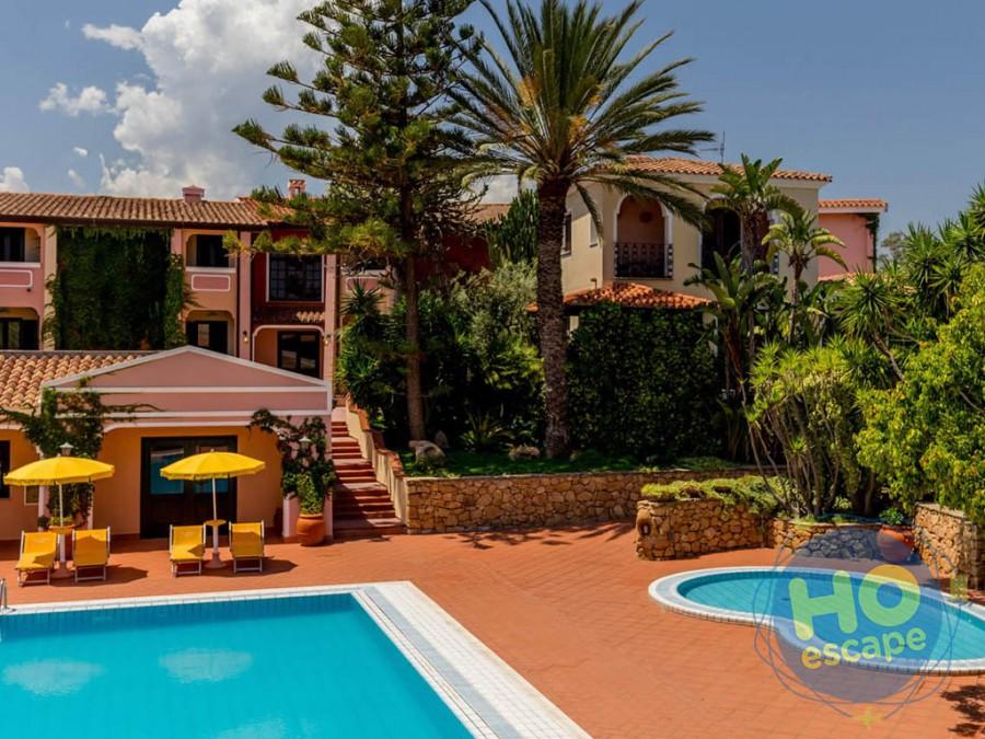 Cala Ginepro Hotel Resort La Piscina