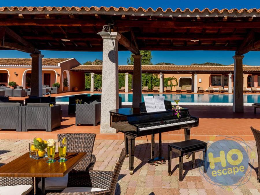 I Giardini di Cala Ginepro Hotel Resort Pool Bar