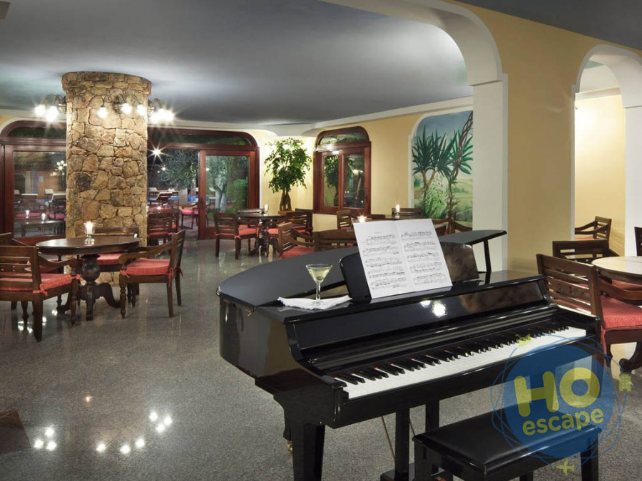 I Giardini di Cala Ginepro Hotel Resort Piano Bar
