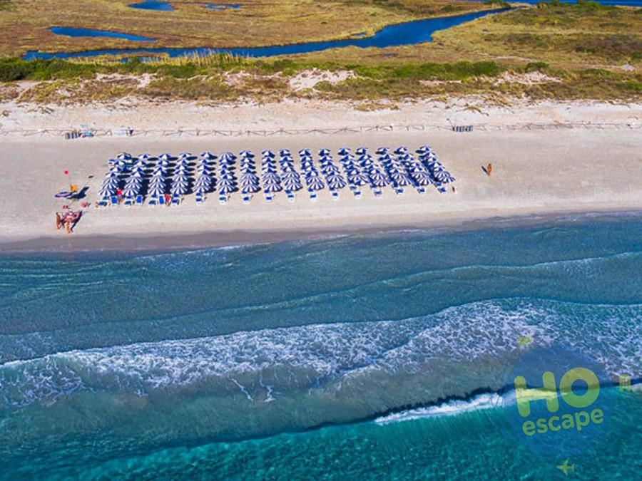Spiaggia Privata della Struttura La Cinta, fondale basso e servizio navetta ad orari prestabiliti