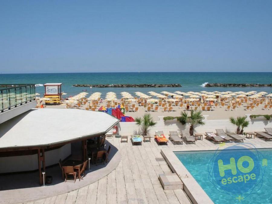 Club Esse Mediterraneo Piscina e Spiaggia, per il vostro relax!