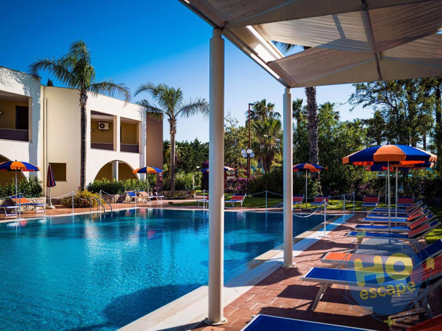 Sairon Village Dettagli della piscina