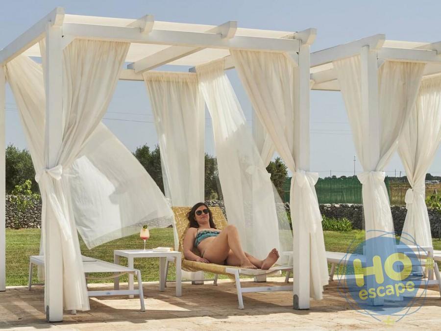Relais Masseria Le Cesine Relax in piscina