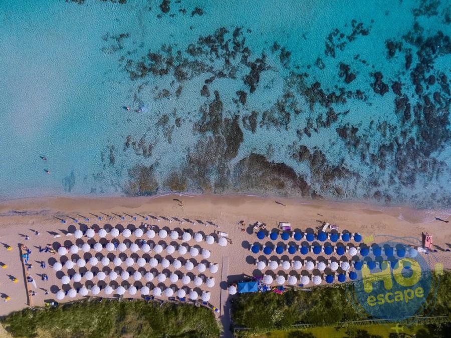 Porto Giardino Resort La Spiaggia dell'hotel situata a 50mt. dal Resort