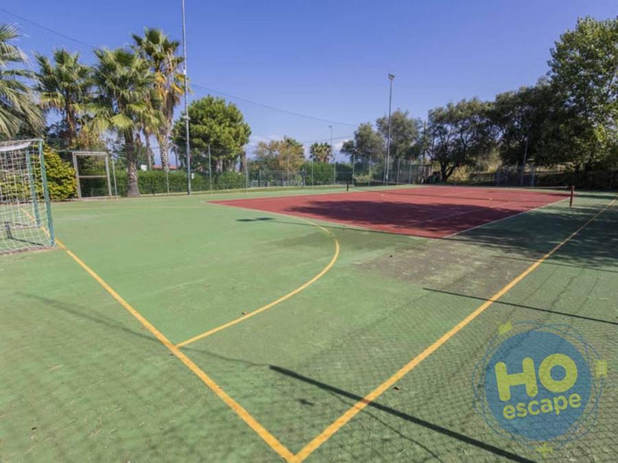 Villaggio Green Garden Club  Attività: campo da calcetto/tennis