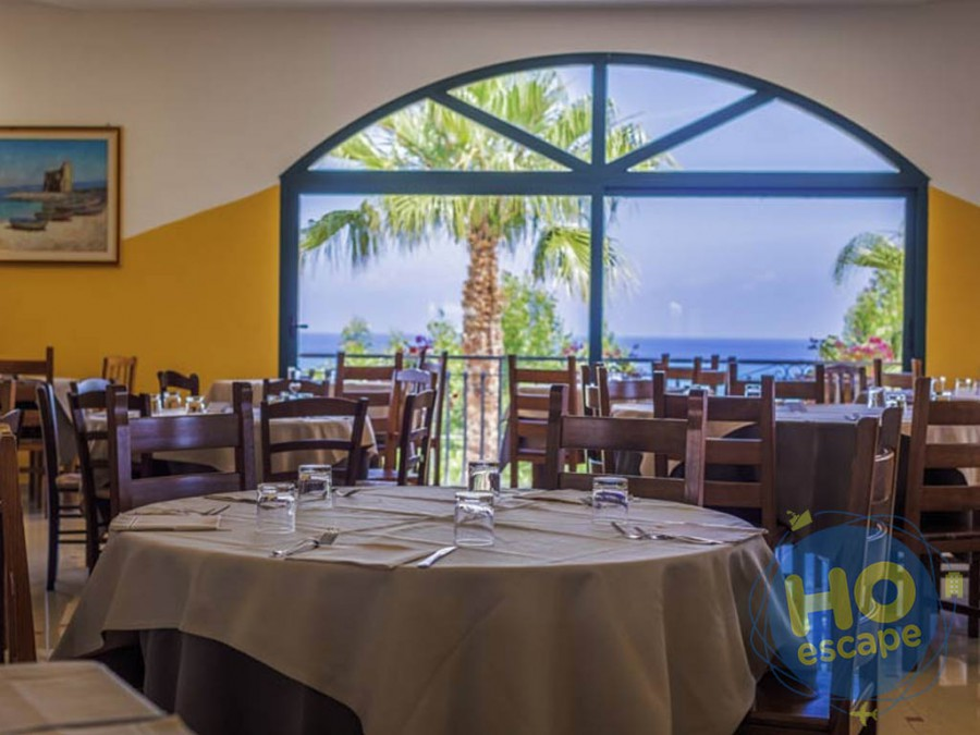 Villaggio Green Garden Club  La Sala Ristorante con Vista Panoramica
