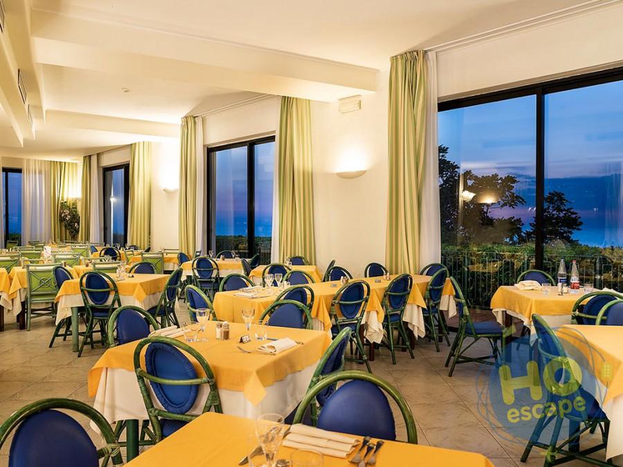 Hotel Terme Royal Palm La sala ristorante Cava dell'isola al Tramonto