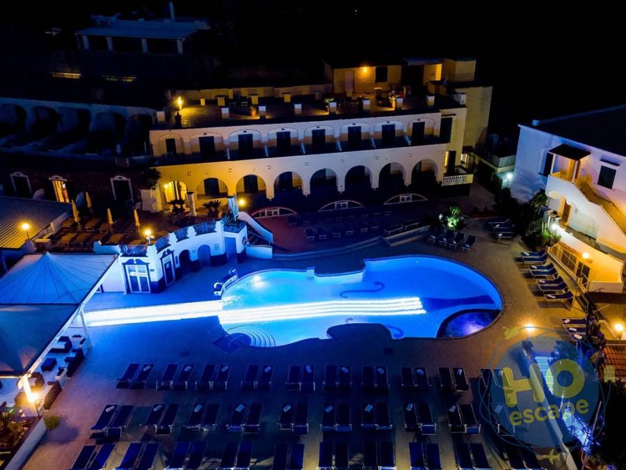 Club Hotel President Foto serale della piscina violino
