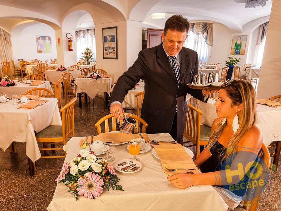 Club Hotel President
