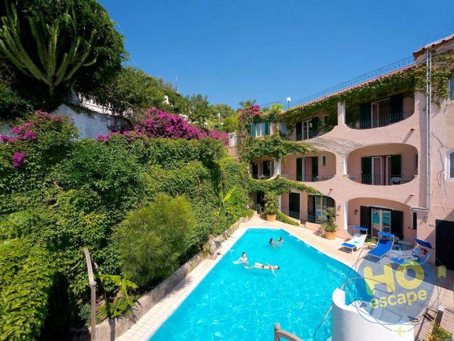 Hotel Bellevue Benessere & Relax La Piscina