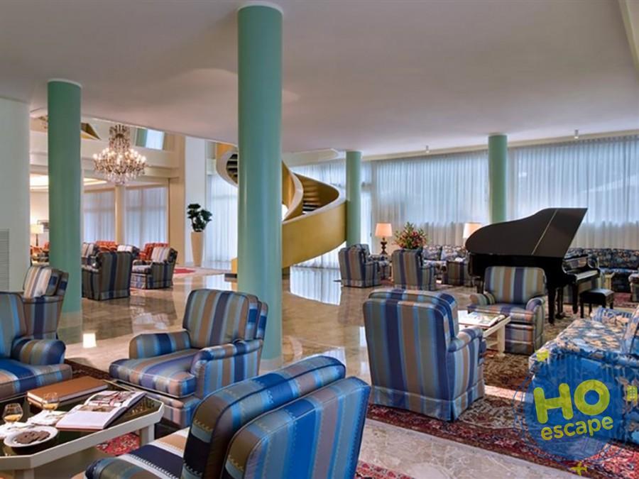 Salone Hotel Bristol Buja